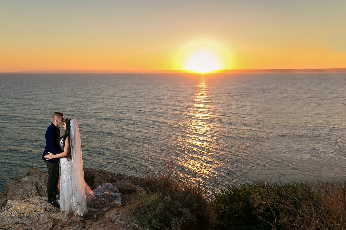 Trash the dress in Bulgaria cap Kaliakra