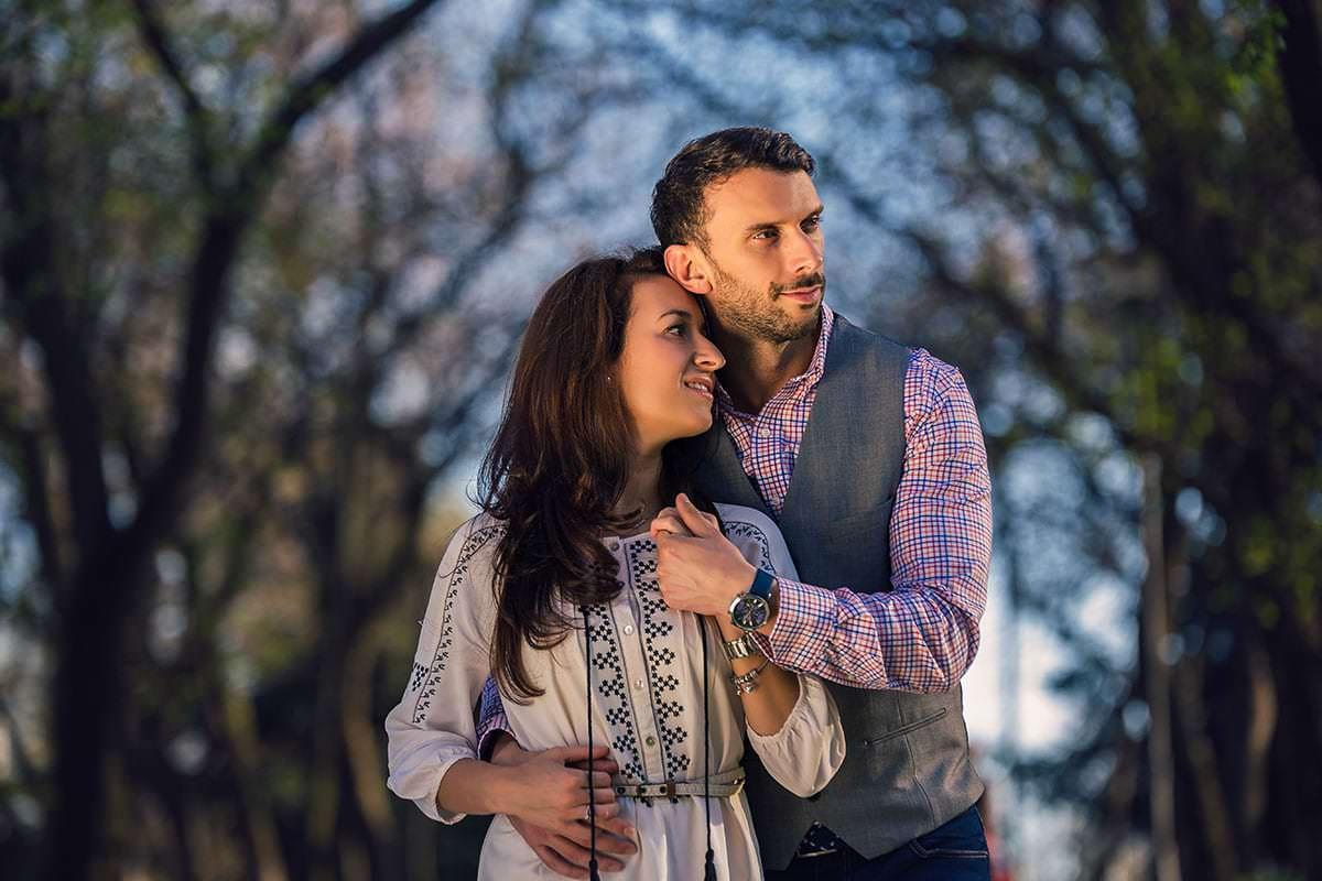 Sedinta foto de logodna in parcul ior (13)
