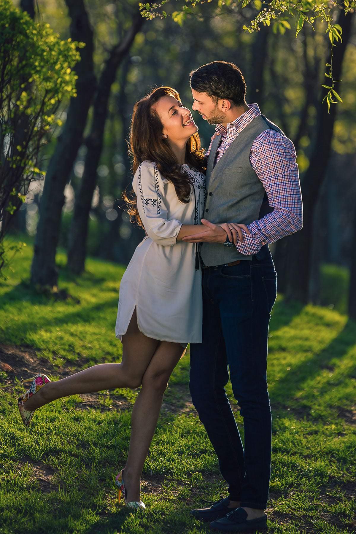 Sedinta foto de logodna in parcul ior (18)