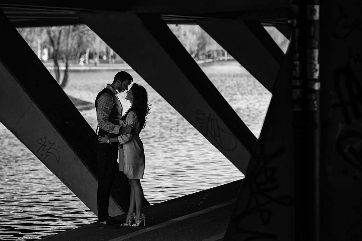Sedinta foto de logodna in parcul ior (21)