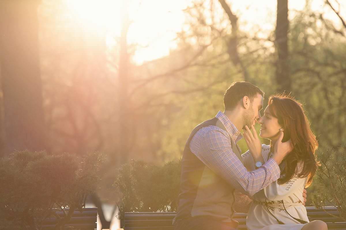 Sedinta foto de logodna in parcul ior (31)