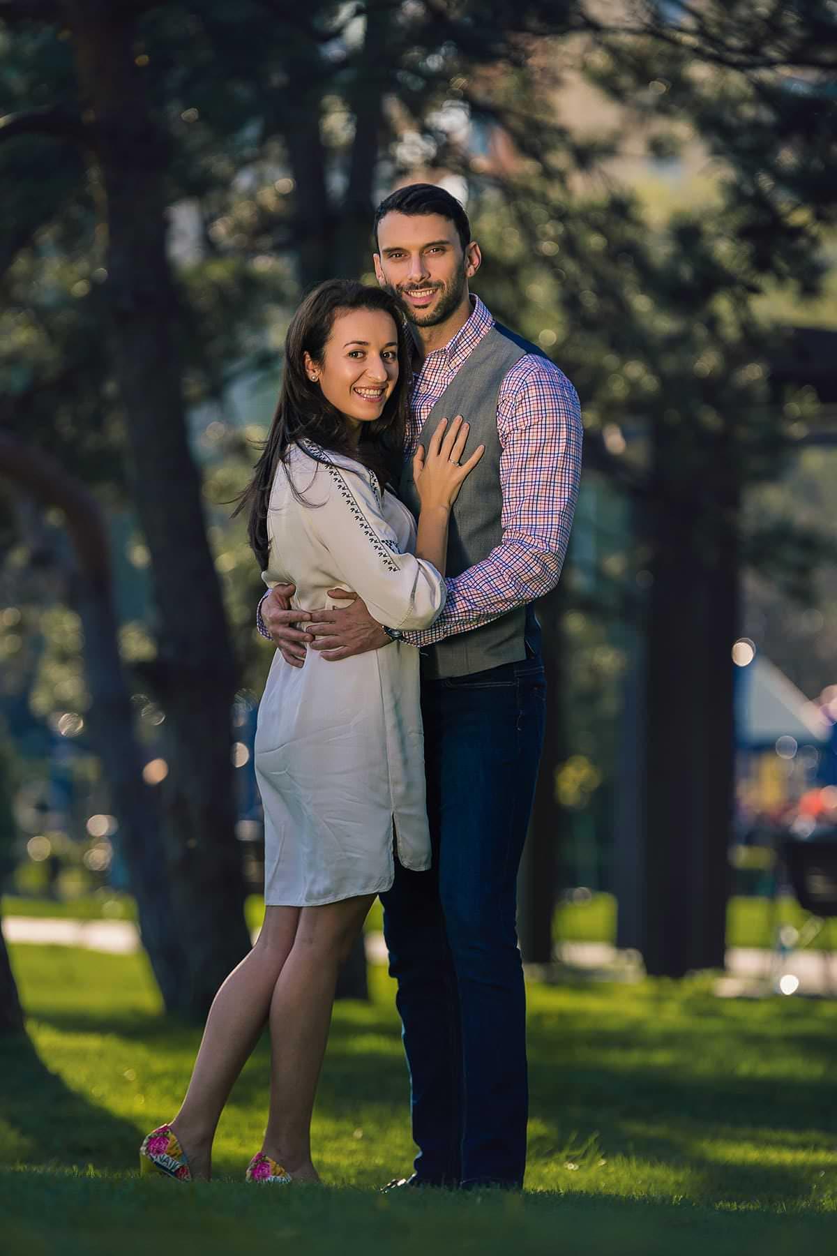 Sedinta foto de logodna in parcul ior (5)
