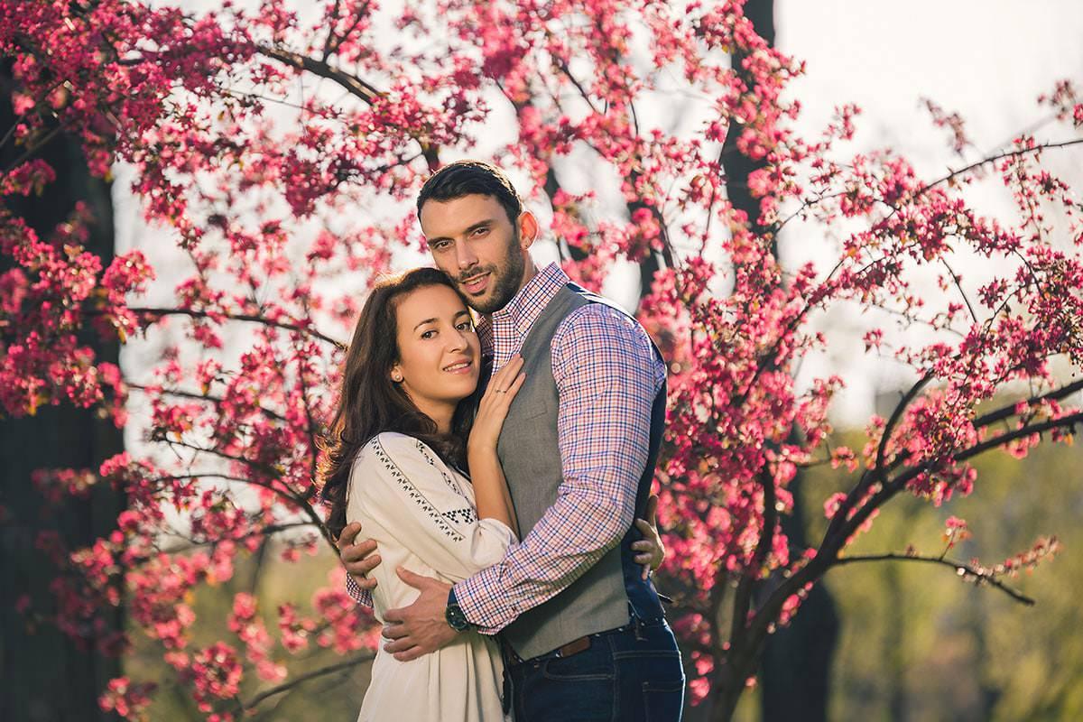 Sedinta foto de logodna in parcul ior (8)