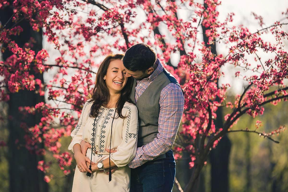 Sedinta foto de logodna in parcul ior (9)