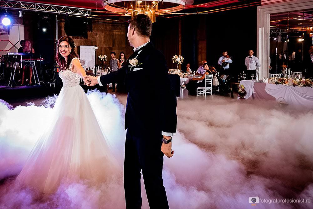 Primul dans de nunta la restaurant Jubile Concept din Pipera