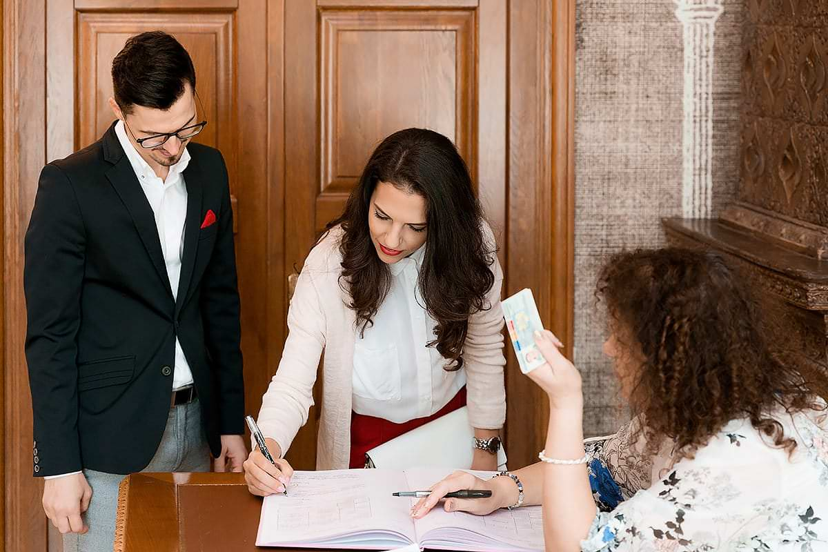 Fotografii la starea civila cu Silvana si Adrian photo