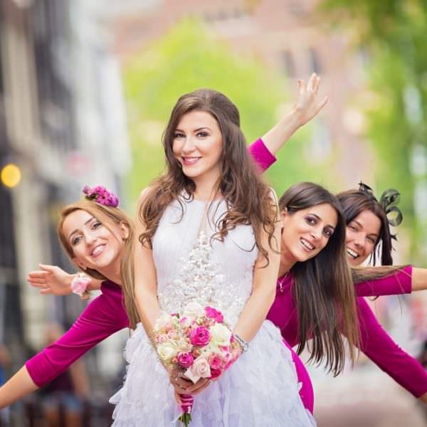 Cavalerii si domnisoarele de onoare – traditie si obicei de nunta