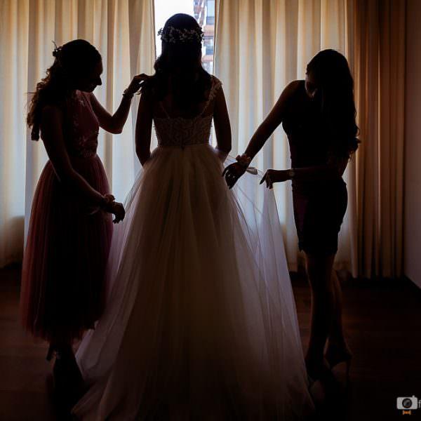Cum sa faci corect modificarile pentru rochia de mireasa: sfaturi de la specialisti
