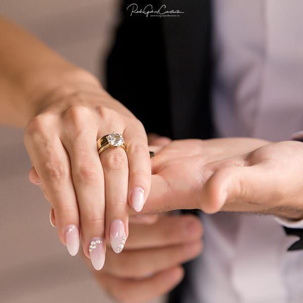 3 lucruri pe care inelul de logodna le spune despre viitorul mariajului vostru