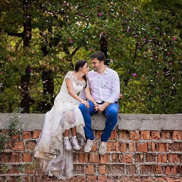 5 idei pentru sedinta foto de dupa nunta: trash the dress sau love the dress