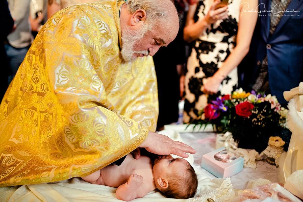 Fotografii de botez cu Nicole Stefania