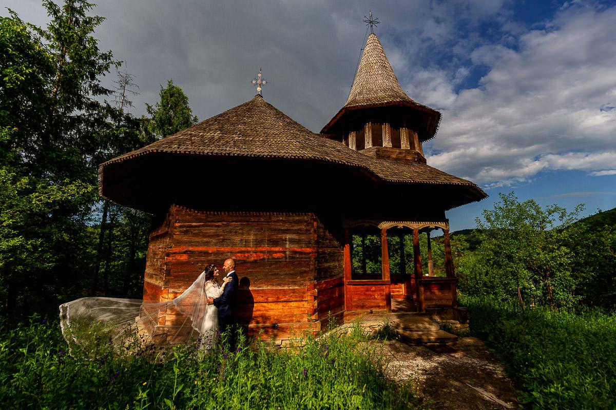 Biserica Cuvioasa Paraschiva - Valea Sarii
